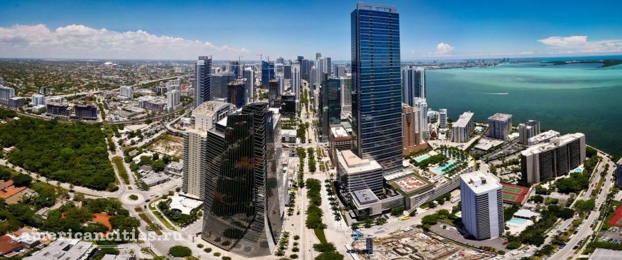 На фото небоскребы даунтауна Майами