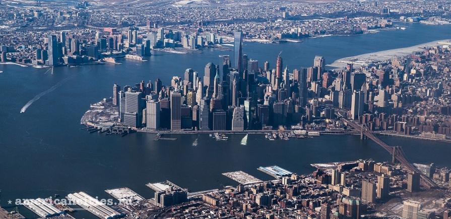 Манхэттен, на заднем плане - Джерси Сити